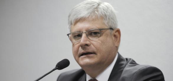 Procurador-geral decidirá sobre investigação