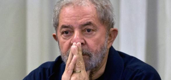 Nomeação de Lula é suspensa pela justiça