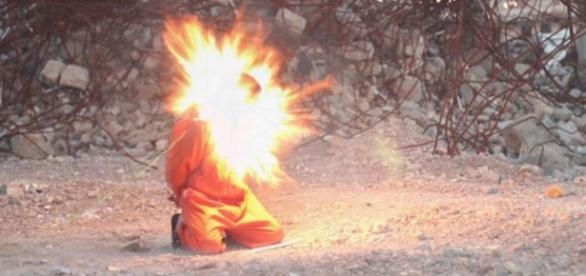 El Estado Islámico lo decapitó con exposivos