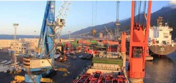 Instalaciones del puerto marítimo venezolano
