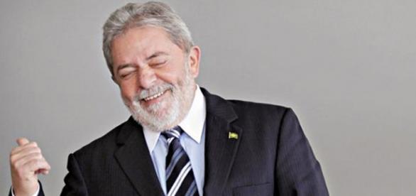 Lula é criticado nas redes sociais