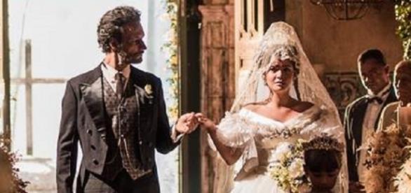 Maria Tereza é obrigada a se casar com outro