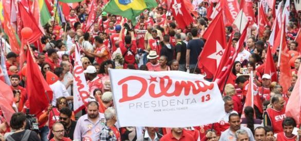 Os manifestantes pediam respeito ao voto