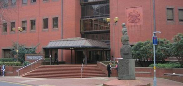 Julgamento decorre no tribunal de Birmingham