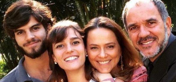 Sofia é descoberta pela mãe e irmão