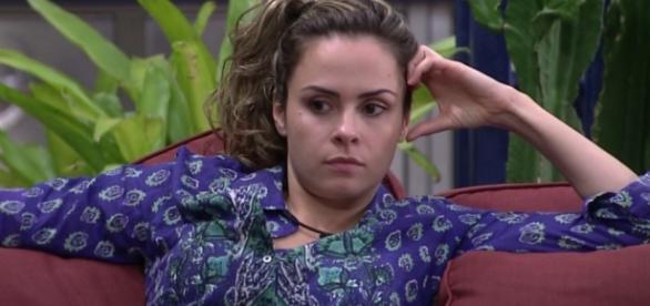 Ana Paula diz que se esconderá de Adélia