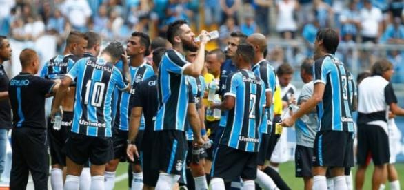 Grêmio encara a LDU, na Arena, em Porto Alegre