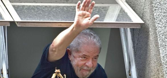 Lula envuelto en un caso que sacude a todo Brasil.