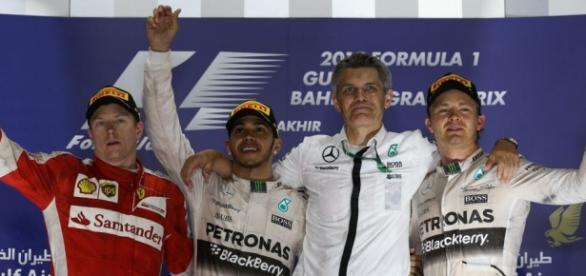 Comemoração no podium do GP do Bahrein