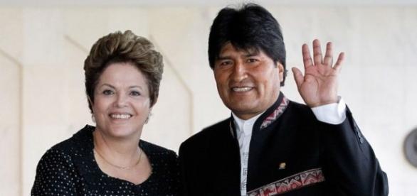 Evo Morales demonstra apoio a Dilma Rousseff