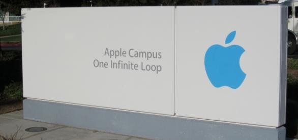 One Infinite Loop on Apple Campus. Nan Palmero/Flickr.