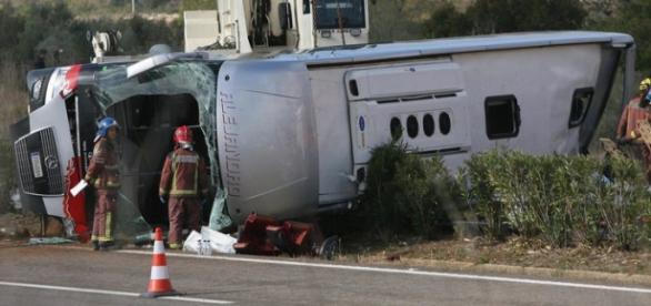 Acidente faz 13 mortos e 43 feridos