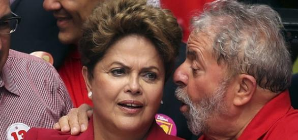 Lula desiste da Casa Civil, mas continua com Dilma