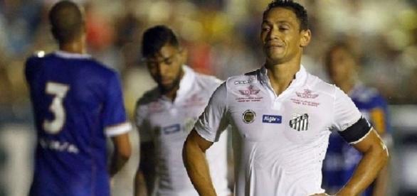 Santos de Ricardo Oliveira não saiu do empate