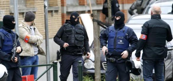 Bruxelas procura os responsáveis pelos atentados