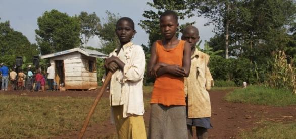 Crianças em Uganda. (Reprodução)
