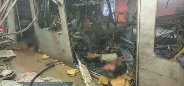 Efectele exploziei din metroul capitalei Belgiei