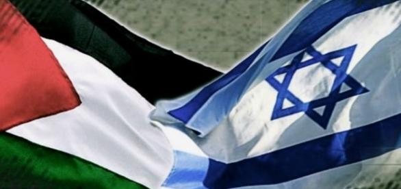 Banderas de Palestina e Israel.