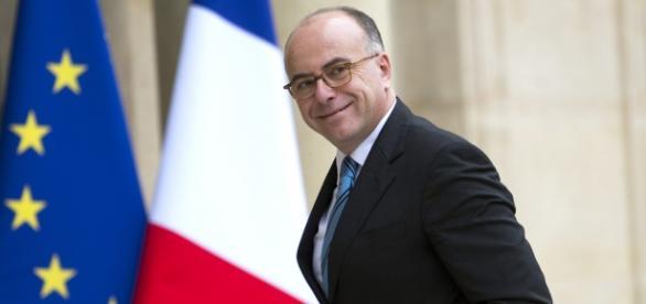 Bernard Cazeneuve, ministro do Interior da França, anunciou a prisão