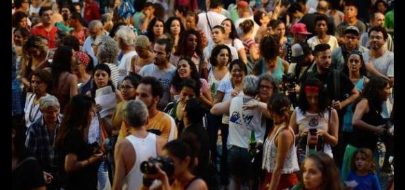 Bonita diversidade entre participantes do Festival Pela Democracia, no RJ