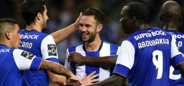Layún é dos jogadores com mais assistências para golo na Europa