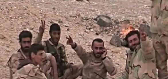Syryjskie wojska triumfują w walce z ISIS.
