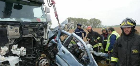 Trei români au pierit în accidente rutiere