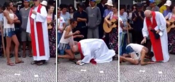 Padre beija os pés de transexual e é retribuído