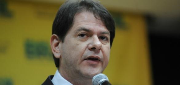 Além de Cid Gomes, 'cabeça chata' foi beneficiado com doações da empresa