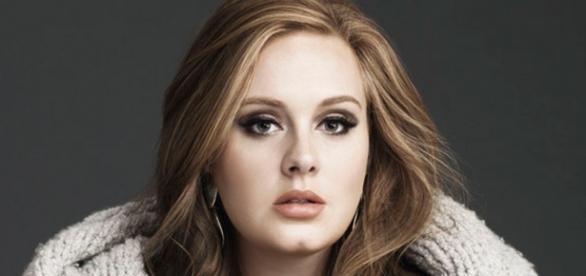 Após estourar com 'Hello', Adele cuidará do filho