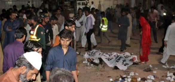 Ataque em Lahore matou ao menos 72 pessoas