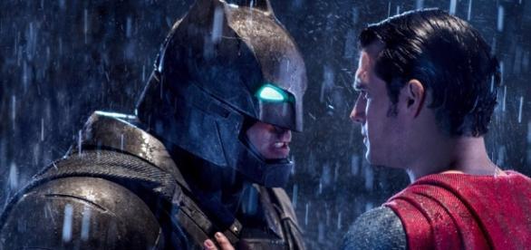 """""""Batman vs Superman"""" arrecadou mais de US$ 170 milhões na estreia nos EUA"""