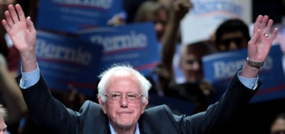 Bernie Sanders durante uma congregação de apoiantes no Arizona, em 2015.