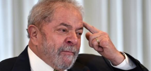 Lula dá entrevista à imprensa internacional