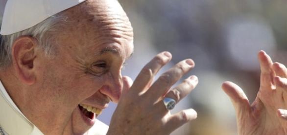 Papa Francisco condenou ataques terroristas ao redor do mundo