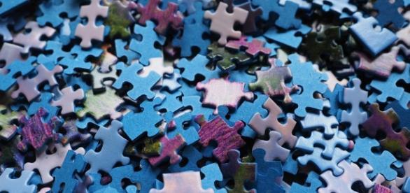 Por la complejidad del diagnóstico, se asocia al autismo con un puzzle.