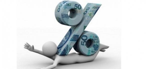 Rotativo do cartão de crédito tem taxa de 447,5% ao ano em fevereiro