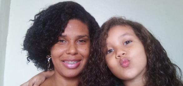 Canal Lilian e Natália: mãe e filha se divertem