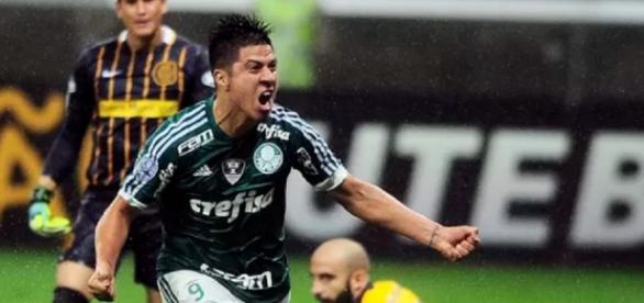 Cristaldo marca contra Rosário Central
