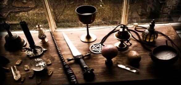 Despre uneltele vrăjitorești...