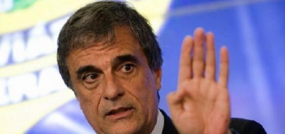 Ministro da AGU, José Eduardo Cardozo