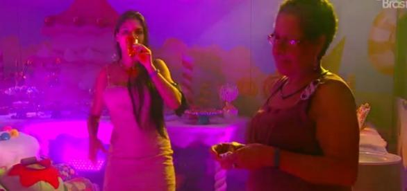 Munik na festa após discurso de Ana (Reprodução)