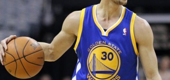 Stephen Curry é o atual maestro da NBA