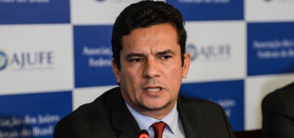 Juiz Sérgio Moro discursando em seminário