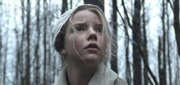 A jovem Thomasin, interpretada por Anna Taylor-Joy