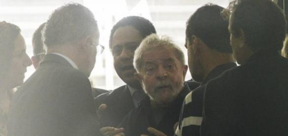 Lula disse que só sairia algemado, segundo PF