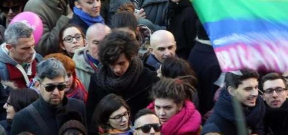 Manifestantes protestam em praça de Roma