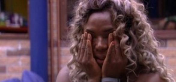 Adélia aflita nos bastidores do Big Brother