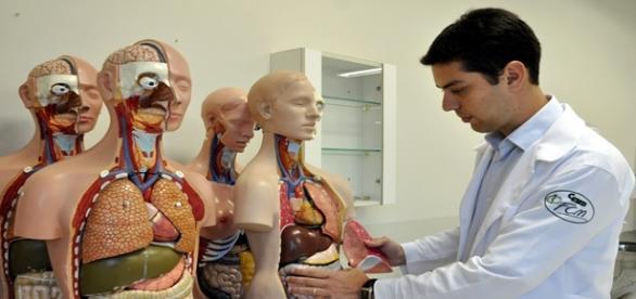 Novas vagas em medicina podem ser fechadas