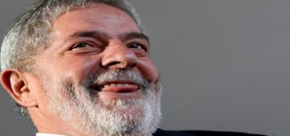 Petista anunciaram que Lula aceitou ministério